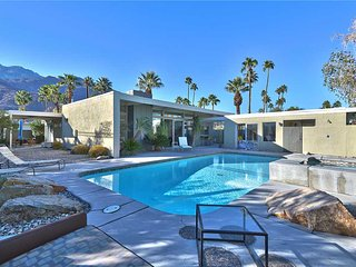 Comfortable 4 bedroom Palm Springs House with A/C - Palm Springs vacation rentals