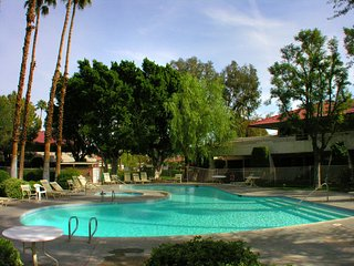 1 bedroom Condo with A/C in Palm Springs - Palm Springs vacation rentals