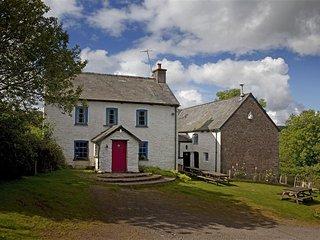 Lovely 9 bedroom Cottage in Sennybridge with Internet Access - Sennybridge vacation rentals