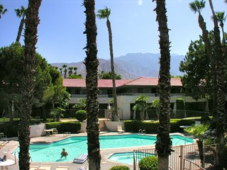 Nice 1 bedroom Palm Springs Condo with A/C - Palm Springs vacation rentals