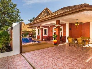 Villa  Sabai close to the beach and walkingstreet, private pool - Pattaya vacation rentals