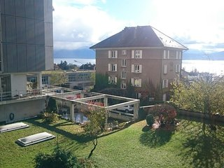 Great 1,5 piece apartment near to lake center city - Lausanne vacation rentals
