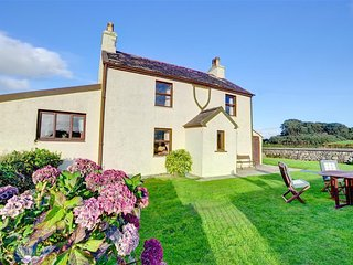 Lovely Cottage with Television and Microwave - Llanfaglan vacation rentals