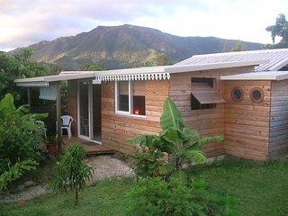 Bungalow chez l' habitant proche Nouméa - Le Mont-Dore vacation rentals