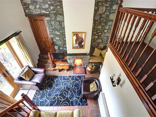 Nice 2 bedroom Rowen Cottage with Internet Access - Rowen vacation rentals