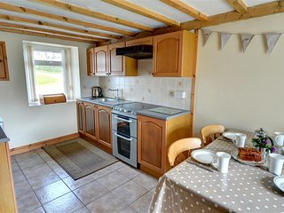 Lovely 3 bedroom Rhiw Cottage with Washing Machine - Rhiw vacation rentals