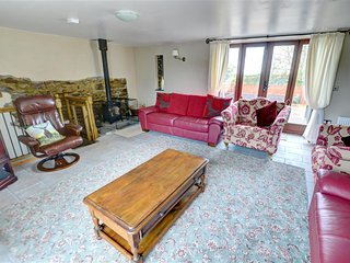 Lovely Cottage with Television and Microwave - Llanedi vacation rentals