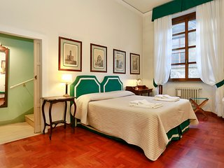 Lovely gem by Ponte Vecchio - Florence vacation rentals