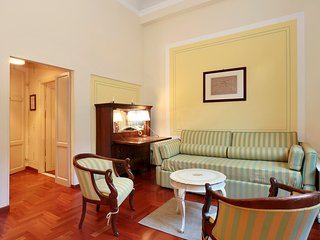 Charming two room apartment by Ponte Vecchio - Florence vacation rentals