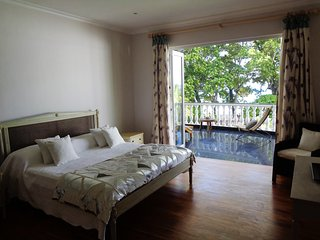 Deluxe double in Chateau Elysium with terrace and view to ocean - Beau Vallon vacation rentals
