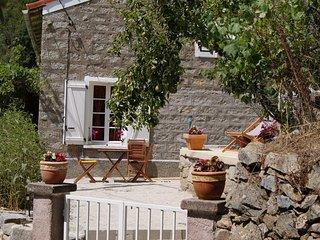 Maison dans petit village de montagne - Zevaco vacation rentals