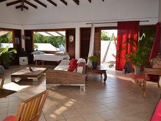 Zen Lounge Villa Turquoise et Emeraude - Le Moule vacation rentals