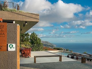 FIG TREE HOUSE  Magnificent views over the coast. - Prazeres vacation rentals