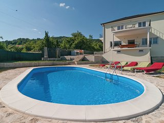 Spacious 5 bedroom Sinj House with Internet Access - Sinj vacation rentals