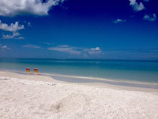 New Listing!  Walk to Beaches, Shopping, Restaurants & Kayak rental and launch! - Bonita Springs vacation rentals