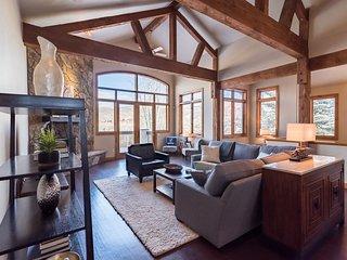 Fabulous, Family-Friendly ARROWHEAD Home. 5 beds/4.5 ba, sleeps 12. Lift access - Edwards vacation rentals