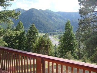 Bright 4 bedroom Missoula House with Deck - Missoula vacation rentals