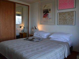 CASA M(ART)A Guest house Vintage Room - Mauves vacation rentals