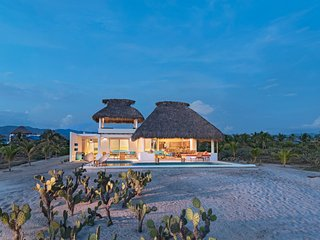 Casa Quetzal - Beautiful oceanfront house in prestigious area - Puerto Escondido vacation rentals