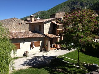 Cozy 3 bedroom House in L'Aquila with Internet Access - L'Aquila vacation rentals