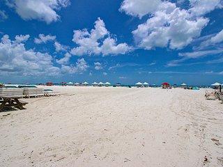 1BR Ground Floor Siesta Key Crescent Beach WiFi NC - Siesta Key vacation rentals