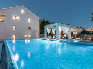 Luxurious 4 bedroom villas - Cove Makarac (Milna) vacation rentals