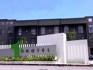 Comfortable 28 bedroom Alor Setar Condo with Internet Access - Alor Setar vacation rentals