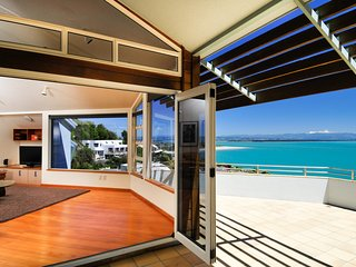 Beach Views Nelson Holiday Home - Exceptional Sea Views! - Nelson vacation rentals