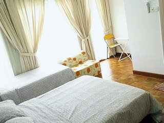 Master Bedroom no.3 near MRT - Singapore vacation rentals