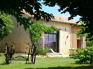 Nice House with Television and Microwave - Pressignac-Vicq vacation rentals