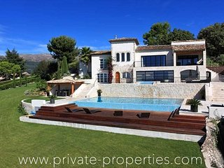 Beautiful villa with spectacular view and private outdoor pool! - La Colle sur Loup vacation rentals