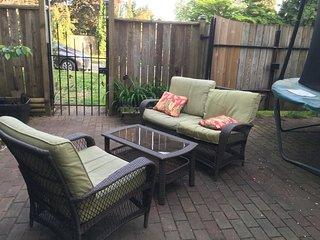 New West Guest House - Spacious suite, prime location in New Westminster - New Westminster vacation rentals