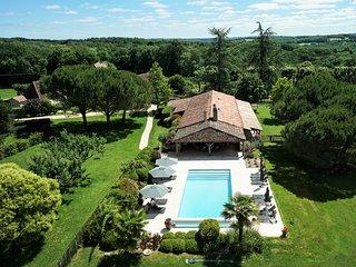 Superbe maison familiale en pleine nature avec piscine chauffée et chevaux - Saint-Felix-de-Villadeix vacation rentals