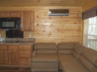 Deluxe Park Model Cabin at Fort Whaley Campground! - Whaleyville vacation rentals