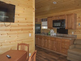Deluxe Park Model Cabin Near Ocean City! - Berlin vacation rentals