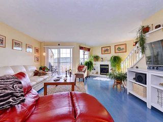 Spacious three bedroom home with water views - Courtenay vacation rentals