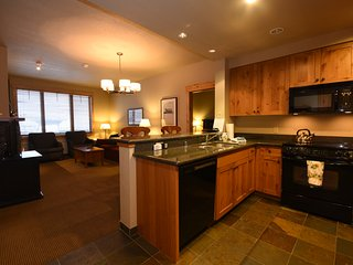 Canadian AT PAR!  Ski-In/Out Luxurious Condo, Whitefish Mountain Resort - Whitefish vacation rentals