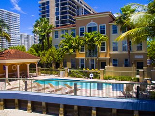 Amazing Town Home Getaway VIEW NOW - Hallandale vacation rentals