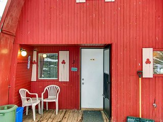 Cosy A-frame cottage with loft on the shores of Idabel Lake - Idabel Lake vacation rentals