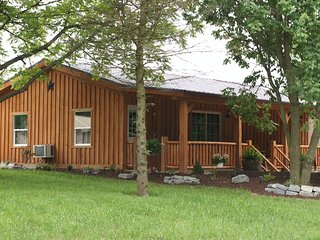 2 bedroom Cottage with Deck in Loogootee - Loogootee vacation rentals