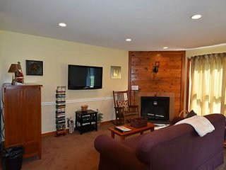 Ski right home! Updated 1br condo, fireplace, pool, hot tub, fitness center. - Killington vacation rentals