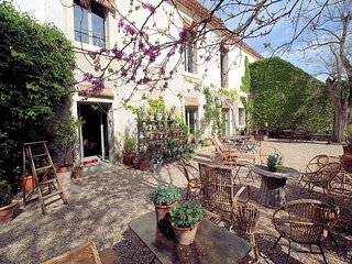 Superb landhouse 15p near Tarascon, private pool - Saint Pierre de Mezoargues vacation rentals