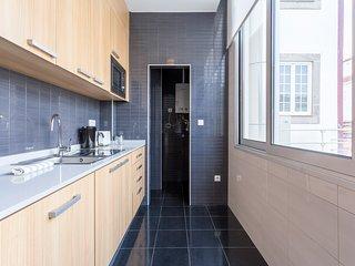 Un-Almada House 4.3 - Porto vacation rentals