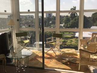 Lauderdale By The Sea, Condo, 2 BR, 2 Bath, on intracostal, walk to ocean - Lauderdale by the Sea vacation rentals