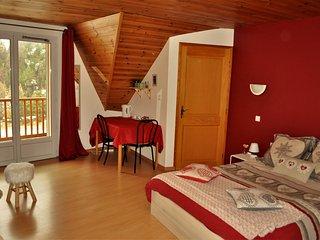 """Chambre d'hôtes spacieuse et confortable """"L'Etape du Jour"""" - Arvieux vacation rentals"""