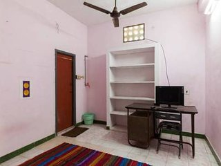 home stay with 2 rooms AC NEAR BEACH IN PONDICHERRY - Pondicherry vacation rentals