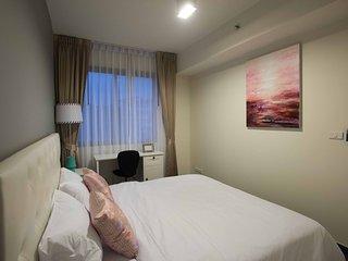 Elegant 1-BR Apartment at Unixx Pratumnak - Pattaya vacation rentals