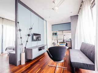 Modern studio room max 3 pax EZS-7 - Singapore vacation rentals