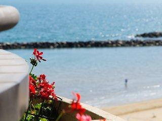 BILOCALE VISTA MARE SULLA SPIAGGIA, RESIDENCE BELVEDERE VISTA - Viserbella vacation rentals