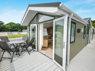 Nice Lodge with Deck and Internet Access - Milford on Sea vacation rentals